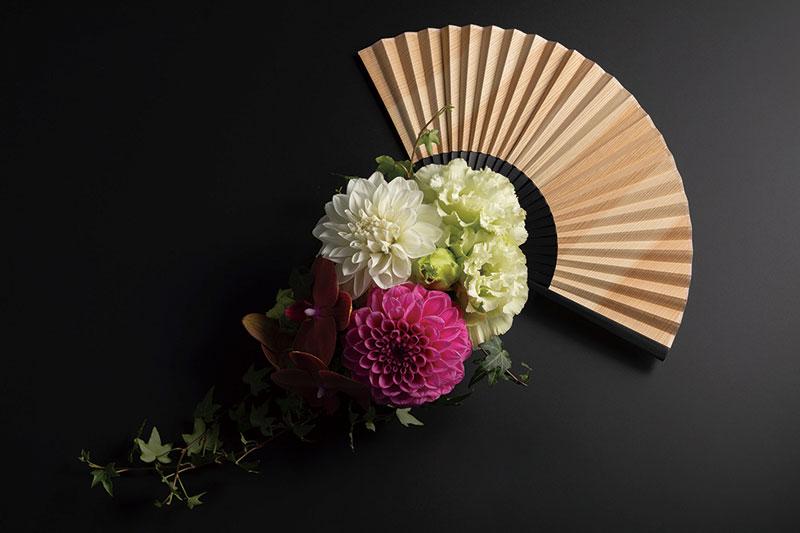 夏のギフトにぴったり♪ 涼しさと木の香りを運んでくれる吉野杉の扇子